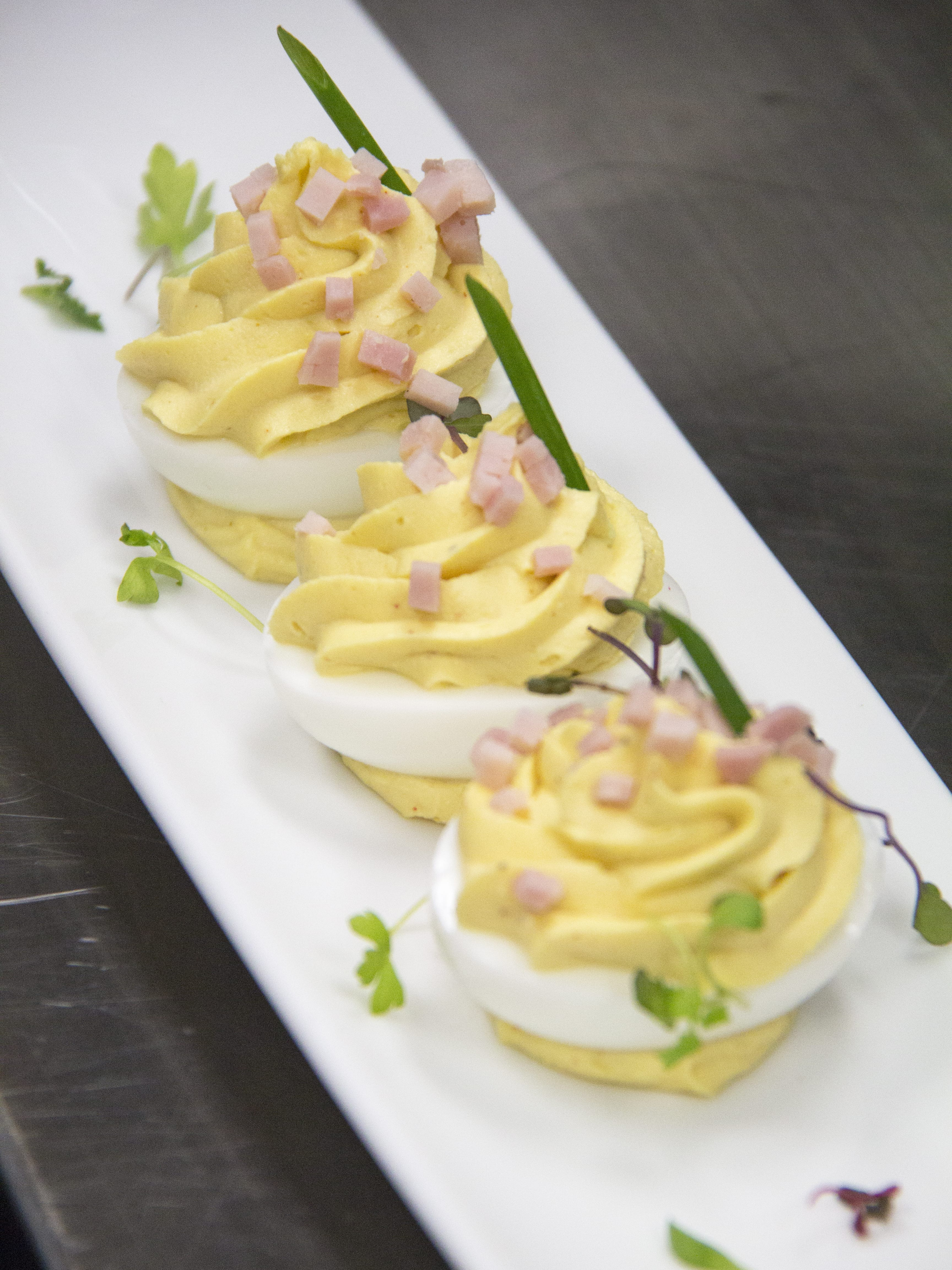 Deviled Eggs 800x600